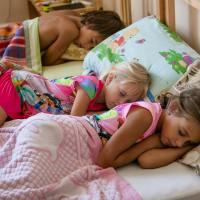 Как и почему мои дети спят отдельно